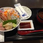 牧原鮮魚店 - 酢飯か白飯か選べます