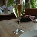 柊 - グラスワイン(490円)