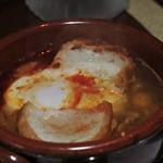 カサ・トリアングロ - 生ハムとひよこ豆のスープ(卵入り)
