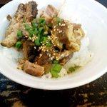 Karyuuhansou - 三択で選べるサービスのひとつ「チャーシューご飯」無料。