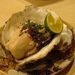 酒月 - 山口岩牡蠣(950円)。