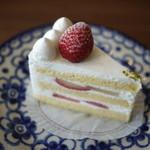 ラヴィアンレーヴ - 苺のケーキ