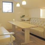 フルーツショップ青森屋 - ❛白い小部屋❜