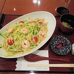 麻布茶房 - 冷やしレタス麺(1100円)