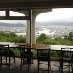 眺めのいいカフェ パ・ノ・ラ・マ - 店内