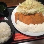 41020303 - チキンカツ・タルタルソース(¥850)