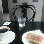 マリーローランサン喫茶店 - スイカのケーキ