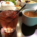 ココロカフェ - ドリンクバーとスープバーがついています