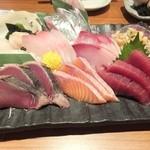 魚錠 - 本気の刺盛り950円