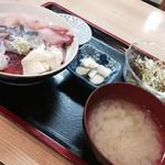 秋刀魚 - 秋刀魚とブリ丼900円
