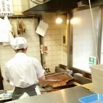池田精肉店 - すぐに揚げてくれます