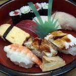 きんぺい - ランチメニューの寿司(740円)久しぶりに金平寿司をいただきました