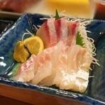 八瀬寿司 - 鯛とカンパチ刺し♪