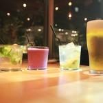 ナイン ストーリーズ - 料理写真:ビール、ワイン、カクテル、ノンアルコールドリンクも充実しています。