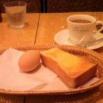 ヒマラヤのケーキ - モーニングセット(トースト)