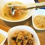 平城苑 - 2015/5 冷麺と石焼ビビンバ。