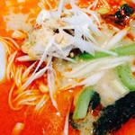 春華秋実 - 担々麺のアップ