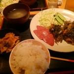 南ぬ風 - 本日の日替わり もずく天ぷらと焼きポーク定食