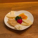 焼肉ダイニング 希らら亭 - チーズ盛り合わせ