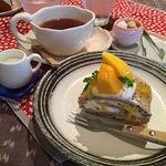 41049495 - ランチの紅茶とケーキ