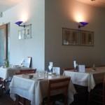 イタリア料理 リストランテ フィッシュボーン - 内観