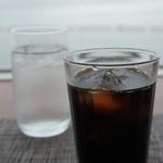 ヒポポパパ - ドリンクは、アイスコーヒーで