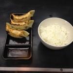 味源 - 味源八王子(餃子セット)
