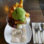 珈琲館 椿 - 抹茶パフェ