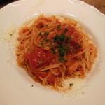 41057077 - 完熟トマトのパスタ アマトリチャーナ風