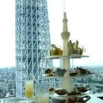 41060757 - スカイツリー☆アップ&ミニ(友人が撮影)