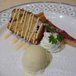 トラットリア・イタリア - デザートのケーキとジェラート