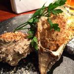 ヒトエ ナトゥーラ - 岩牡蠣の香草パン粉焼き