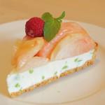 フルーツショップ青森屋 - 料理写真:桃と白山だだちゃ豆