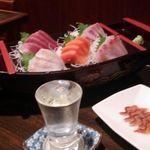 魚浩 - 刺身5点盛に鮭の酒浸し