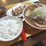 41064314 - 特製ラーメン定食(900円)
