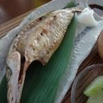 風のレストラン - かますの干物で白御飯・味噌汁は具だくさんですばらしいが提供温度が低かったのが残念