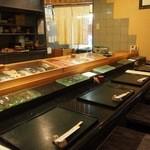 京極寿司 - カウンター席