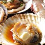 海ほたる - 料理写真:北海道の生きているホタテをバター醤油焼きに、、風味も味も1級品です!