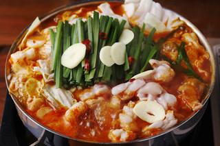かんべえ - 辛かもつ鍋(1.5人前より承ります)名物もつ鍋スープをベースに韓国の辛味噌や唐辛子を調合したスープです