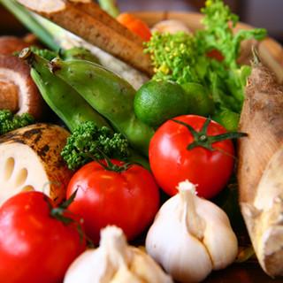 旬の野菜をせいろ蒸しや天ぷらで。