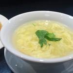 桃花源 - 卵スープ、これとご飯は、お代わり自由です