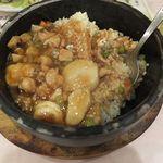 中華料理 彩香 - クリスピー炒飯なんだとさ。