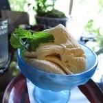 侘助 - 自家製アイスクリーム バニラ