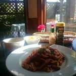 TEA&FOODS Dandelion - 料理写真:モッツァレラチーズとドライトマト 生パスタ