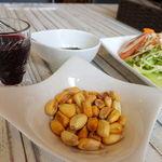 41074379 - トウモロコシのオツマミ。かなりの大粒でボソボソ感と硬さが美味しい。