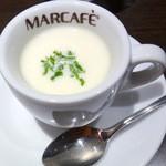 41075440 - 【2015年8月再訪】サービスの玉ねぎの冷製スープ!