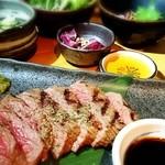 芦屋炭火キッチン MACHIYA - 炭火肉プレート