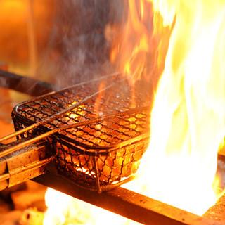 炭火で炙ります