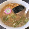 京城館 - 料理写真:ラーメン(530円)