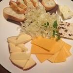 41081131 - カジュアルチーズ5種盛り合わせ